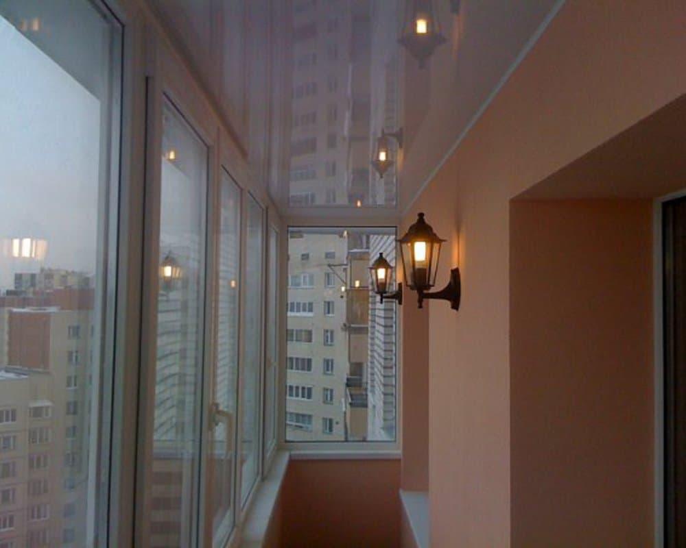 Позитивные и негативные качества установки натяжных потолков.